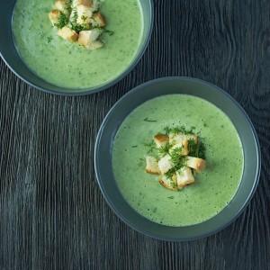 Суп пюре з зеленого горошку з м'ятою