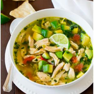 Суп з куркою, авокадо і лаймом